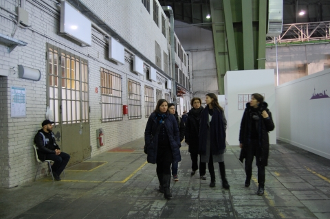 01-2016_Besuch in den bewohnten Hangars