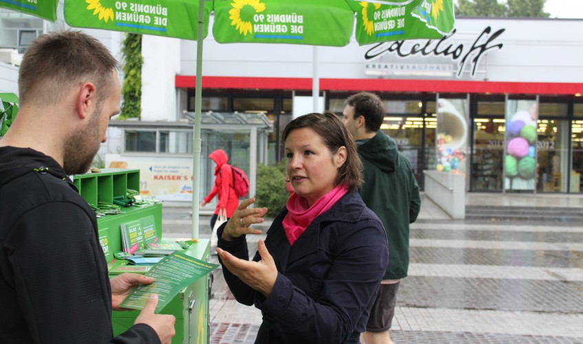 Antje in Action - Wahlkampfstand Lichtenberg